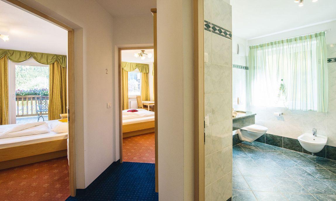 hotel-mondschein-eggental-obereggen-doppelzimmer-suite-3.jpg