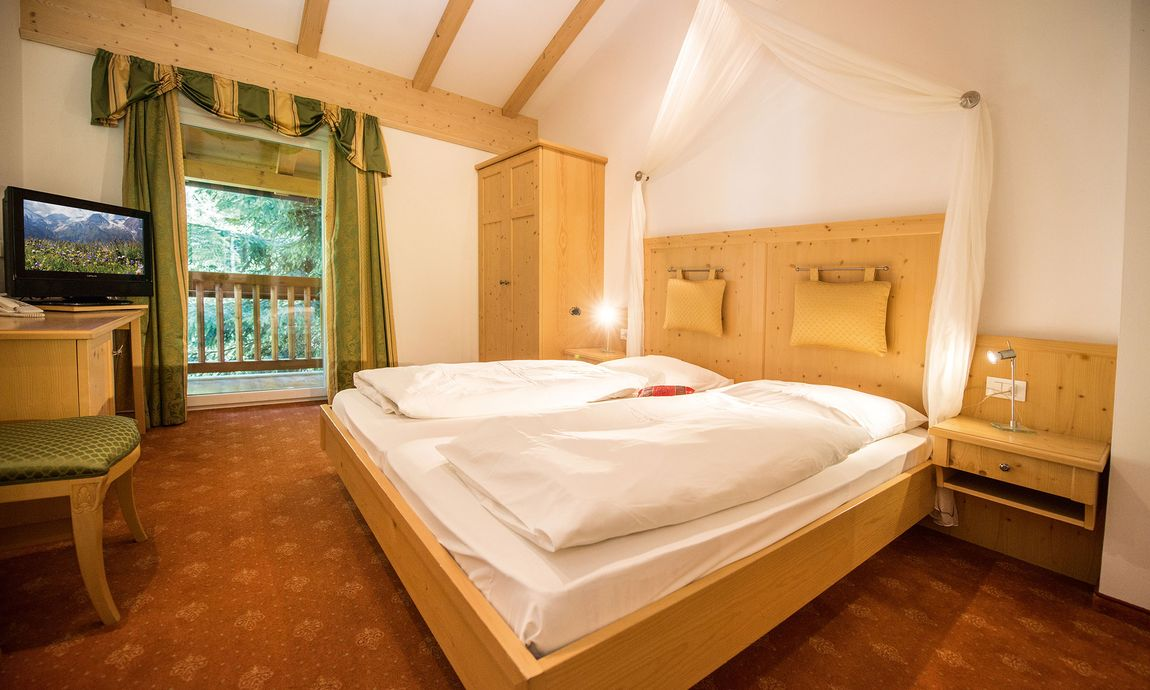 hotel-mondschein-eggental-obereggen-doppelzimmer-suite-1.jpg