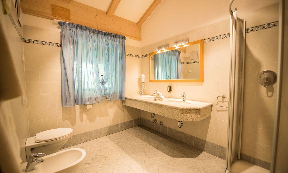 hotel-mondschein-eggental-obereggen-doppelzimmer-suite-4.jpg